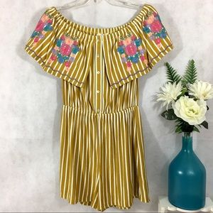 Entro Romper Shorts Embroidered Flowers Striped S